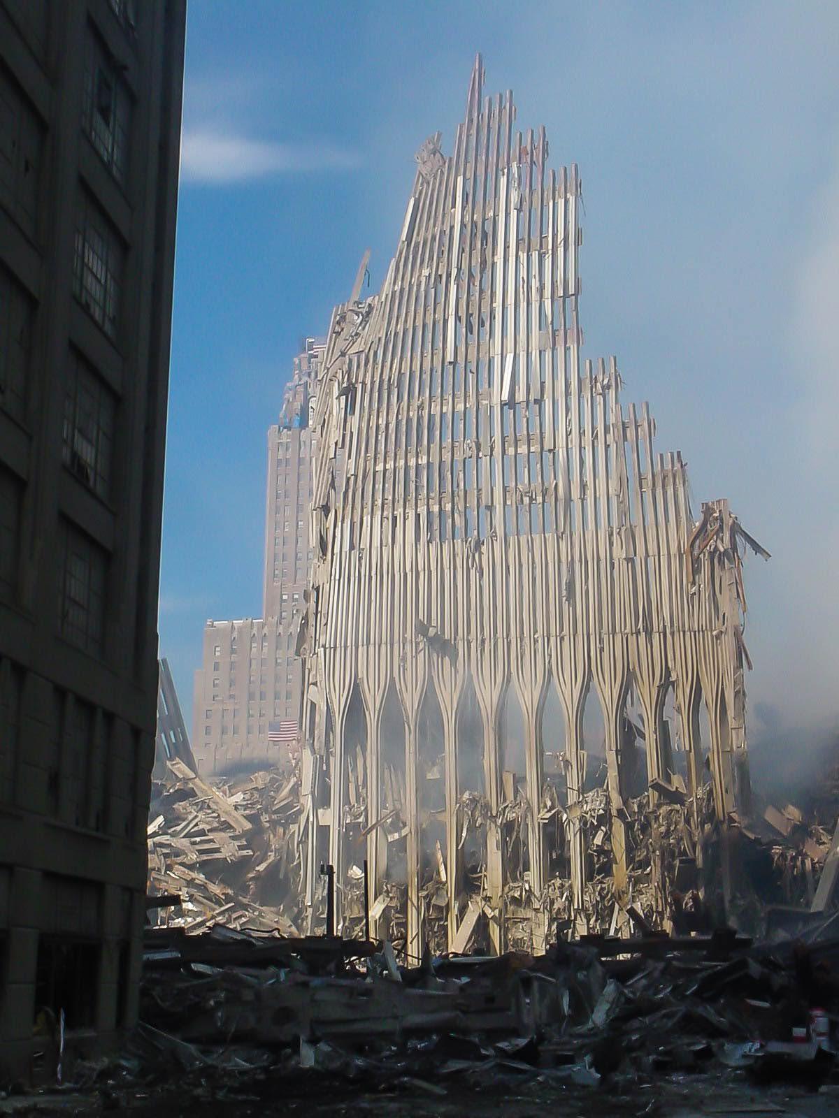 """""""Przerwane milczenie. Na gruzach World Trade Center. Polskie historie"""".Spotkanie autorskie z Janem Szumańskim"""