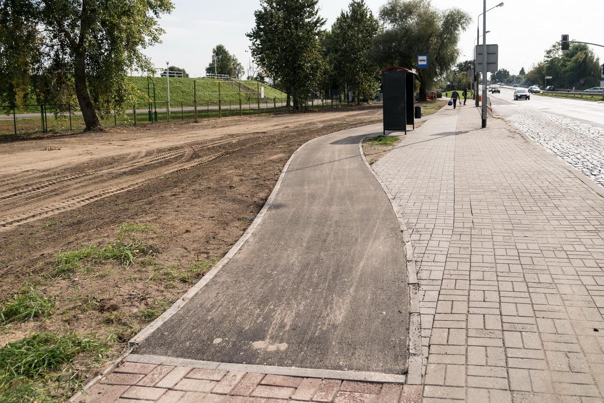Zamiast rur ścieżka rowerowa